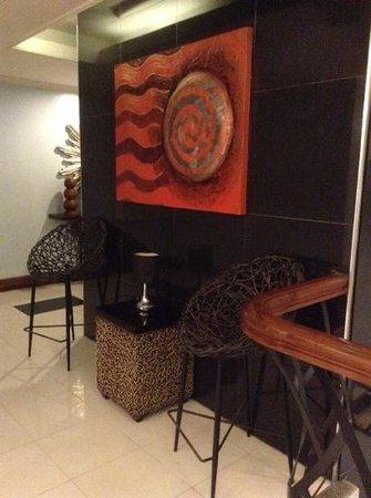 Holiday Plaza Hotel : interiors
