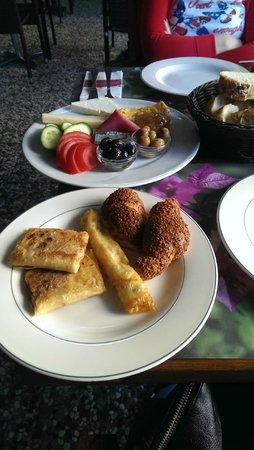 Mihrimah Sultan Cafe : Breakfast Selection