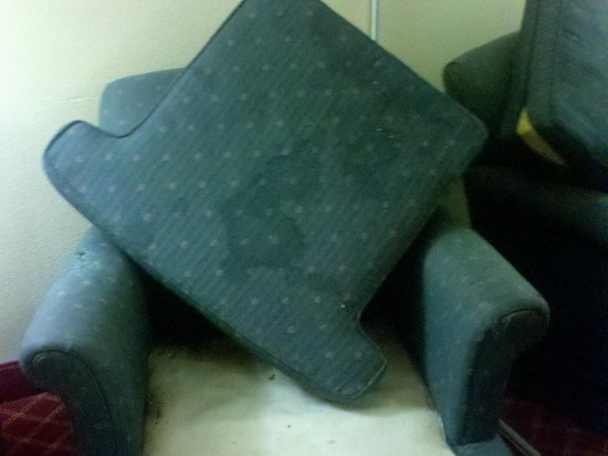 Extended Stay America - Memphis - Airport : whatever that is on the chair cushion
