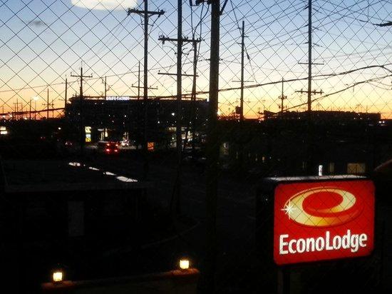 Econo Lodge: Vista do Hotel de fim de tarde do Estádio MetLife