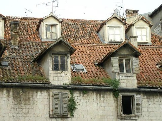 Fruit's Square (Trg Brace Radic): old roofs