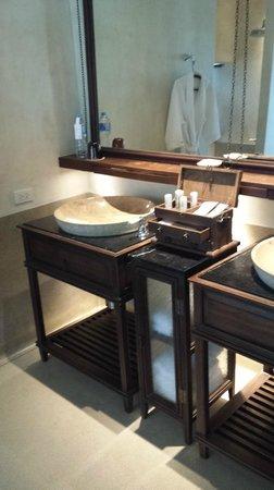 Le Meridien Koh Samui Resort & Spa : Double sink