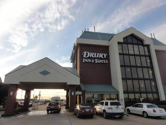 Drury Inn & Suites Houston Hobby Airport: outside of hotel