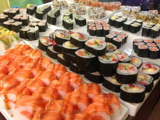 Buffet de sushi picture of teppan sushi teppanyaki - Table de cuisson japonaise teppanyaki ...