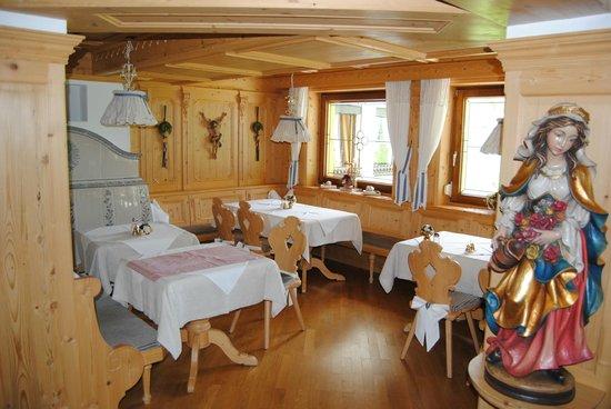 Hotel Verwall: Speisesaal im rustikalen Still