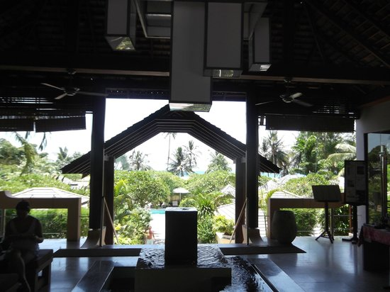 The Sunset Beach Resort & Spa, Taling Ngam : l'accueil