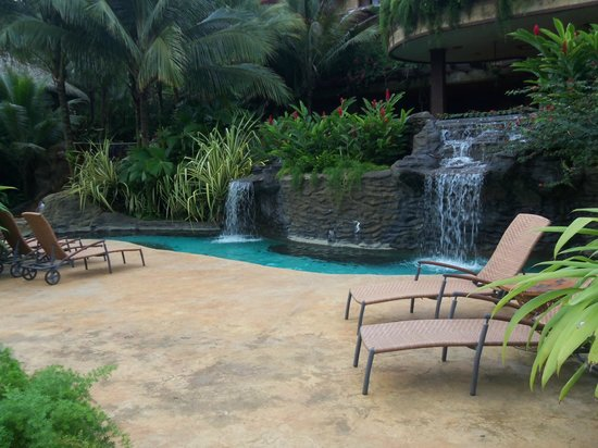The Springs Resort and Spa: waterfall pool