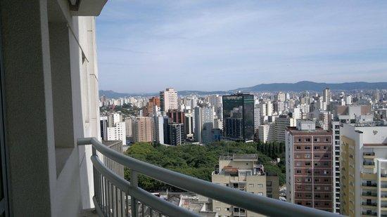 Quality Suites Long Stay Bela Cintra: vista da sacada hotel