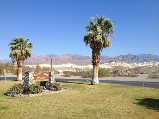 Furnace Creek Resort & Fiddler's Campground : Furnace Creek welcome sign