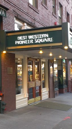 Best Western Plus Pioneer Square Hotel: Entrance on Yesler Way