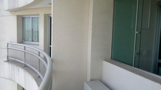 Quality Suites Long Stay Bela Cintra : sacada com bom espaço
