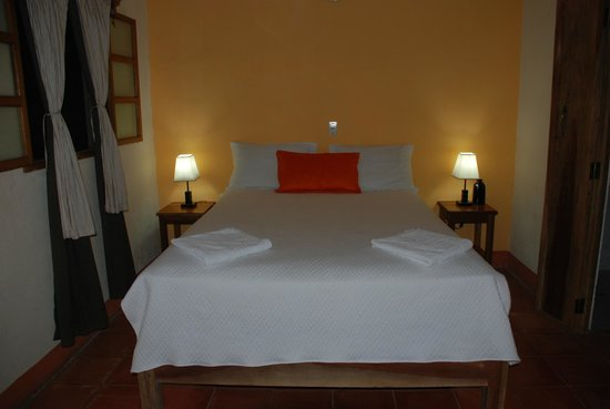Hotel Casa Barcelona : Comfortable queen Bed   HCB