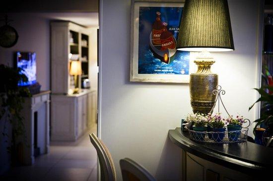Hotel Champerret Heliopolis: Réception Hôtel Champerret Héliopolis