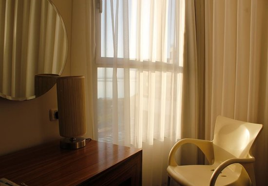 Hotel Spa Club Dead Sea: номер