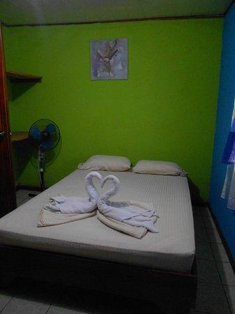 Cabinas El Icaco Tortuguero: Room - Cabina 1