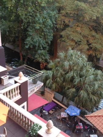 Hotel Valencia Riverwalk : The view from our balcony....lovely.