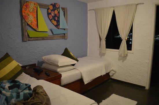 Pousada Jamanta: Sala de TV com duas camas