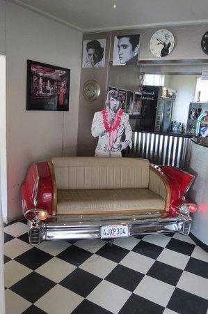Marilyn's 60's Diner: Front entrance