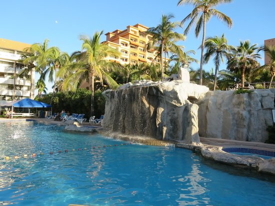 The Inn at Mazatlan: One of two pools