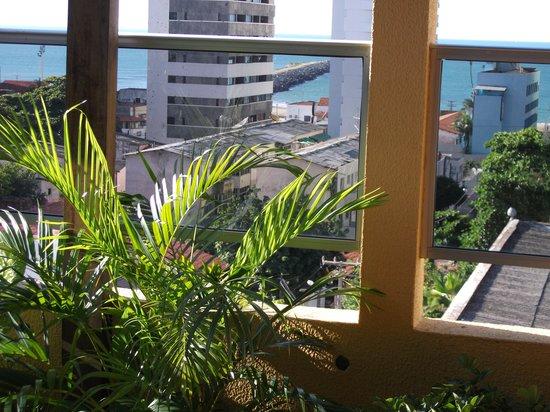 Hotel Casa de Praia: Vista panorâmica do terraço, ao fundo a Praia de Iraceama