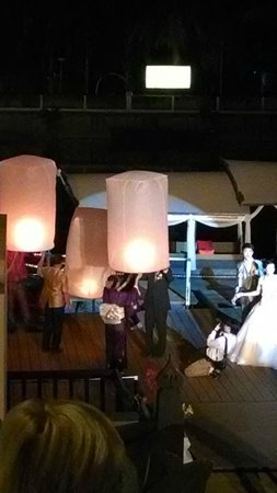 Ratilanna Riverside Spa Resort Chiang Mai : The wedding party during our stay