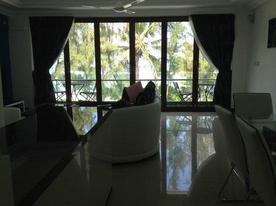 Eve Beach House: Living Area