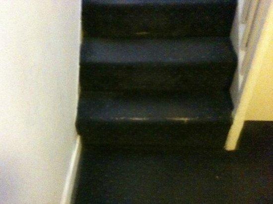 Mariners Hotel: Stairway