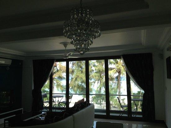Eve Beach House: Common Living Area