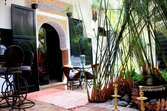 Riad Ta'achchaqa: Piano terra