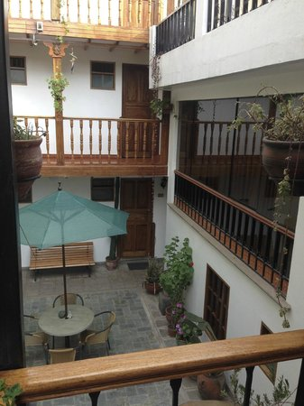 Hotel Rumi Punku : One of the courtyards