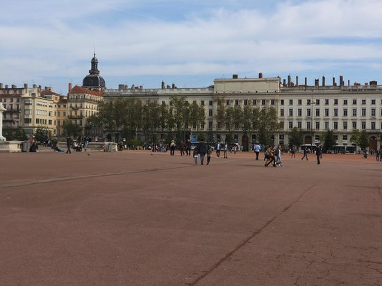 The Presqu'île: Place Bellecour