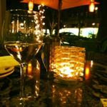 Roma Italian Bistro & Pizzeria: dinner by candle light, and long walks on the beach