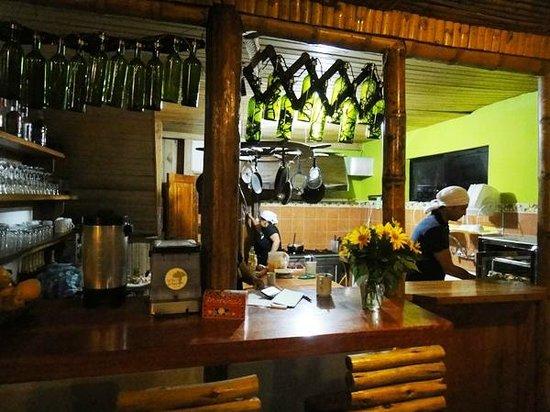El Abrazo del Arbol : Kitchen