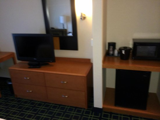 Fairfield Inn & Suites Redding : Room 105