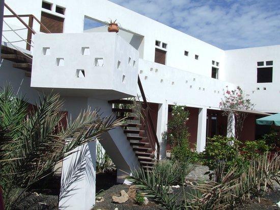 Residencial Goa : Patio Hotel Goa Calhau