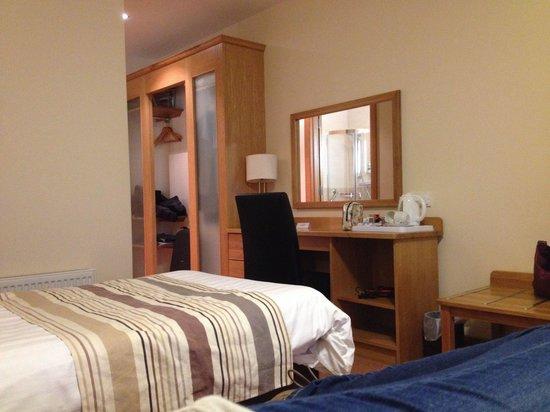Beach Hotel: Room 212