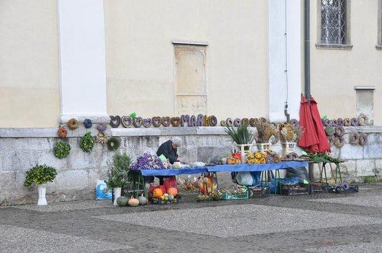 Vodnik Square (Vodnikov trg): Vodnik Square