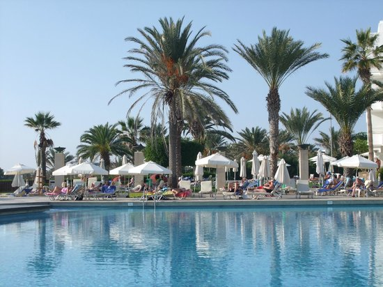 Louis Ledra Beach: November at the louis ledra
