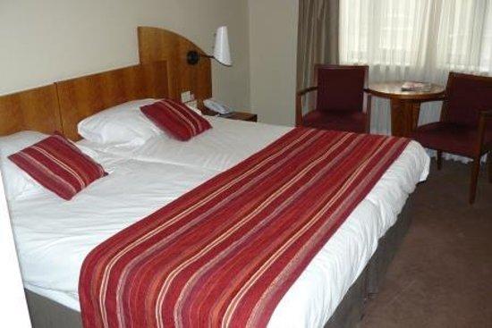 Astoria Hotel Antwerp: double bed