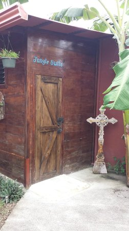 Toad Hall Hotel Arenal: The Jungle Suite entrance