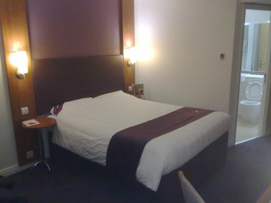 Premier Inn London Croydon Town Centre Hotel : Big and comfortable double bed