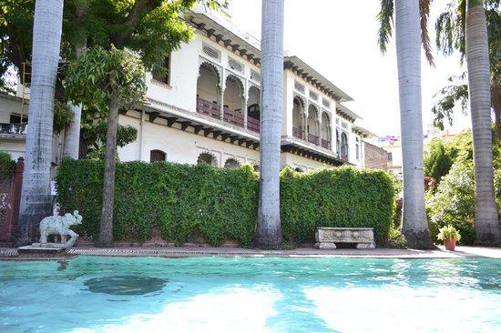 Rangniwas Palace Hotel : Vintage Hotel