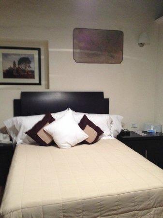 Hotel Casona San Antonio: La cama queen