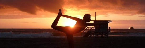 Soul Sisters Cabarete : sunset yoga session on beach!