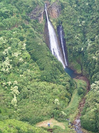 Mauna Loa Helicopters Tours: The waterfall from the beginning of Jurassic Park, seen from the air.
