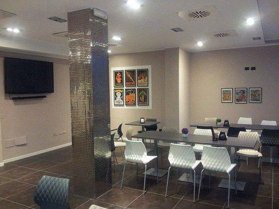 Vintage Café: Sala per Feste e Compleanni e Smart TV