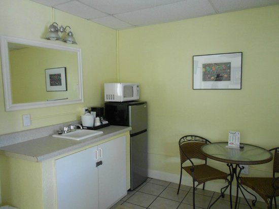 Sea Dell Motel: Kitchenette