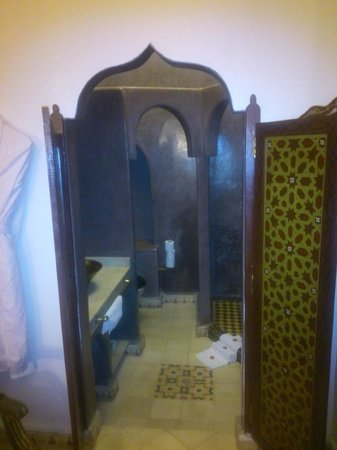 Riad Argan: entrada al cuarto de baño