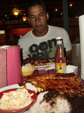 Smokey Joe's : Cena antes de salir de Aruba