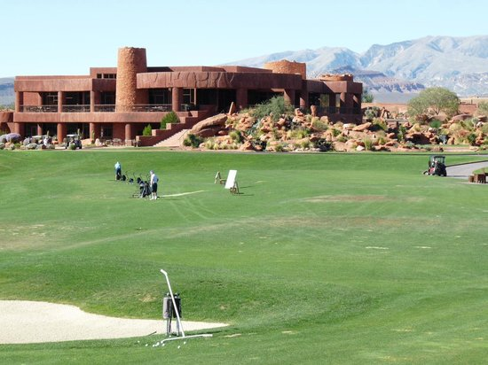 The Inn at Entrada: benachbarter Golfplatz mit Clubrestaurant